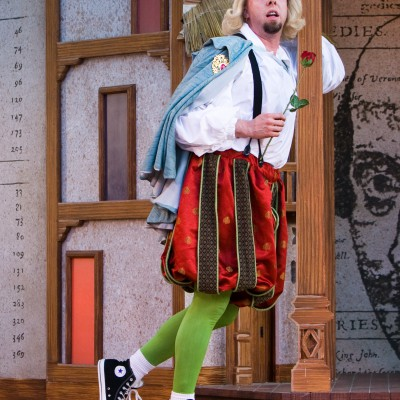 The Complete Works of William Shakespeare (Abridged) (2010) Gallery Image 5